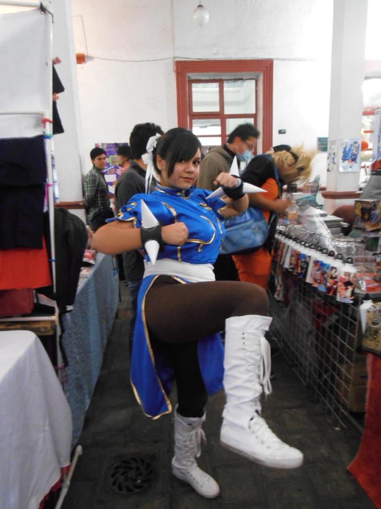 Chun Li cosplayer pic angle kick by ChrisNext