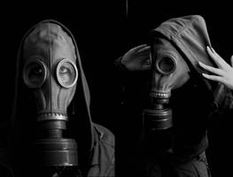 gas-mask by Nedeila