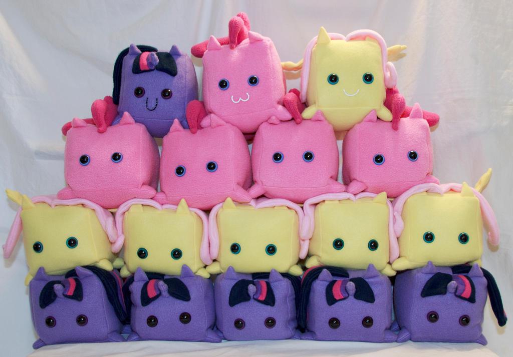 Pinkie Pie, Twilight, Fluttershy Cube Ponies by cutekick