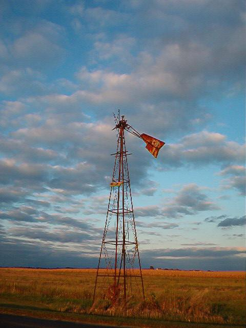 Windmill by teazchamberz