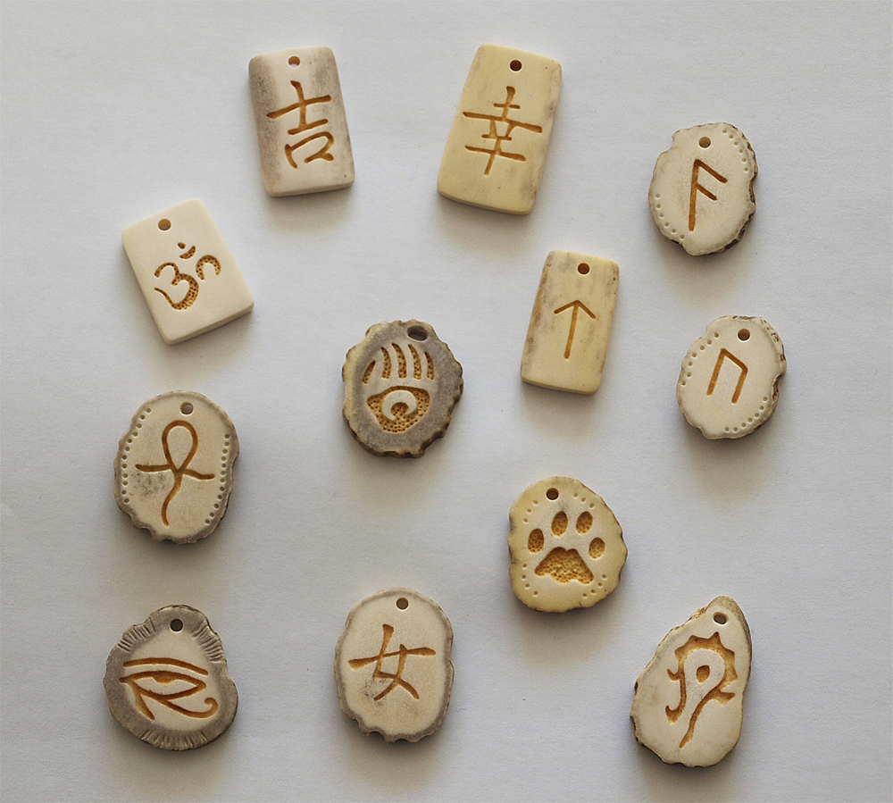 Antler pendants 3 by BDSart