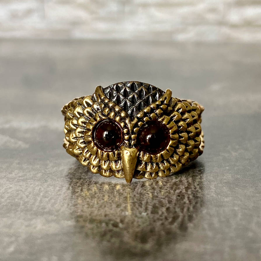 Brass owl ring with amber eyes, Size 8,5 - 10 US