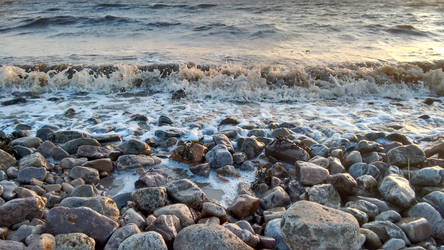 Waves washing up on the shore 2 by nharmoniafangirl14