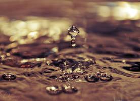 Liquid Drop by Unilight