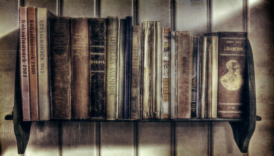 Ol' Bookshelf - HD wallpaper by JanneO