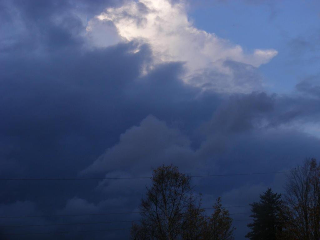 oct 17th sky by BlueIvyViolet