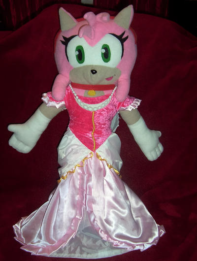 Do you like my dress, Sonic? by ProBOOM on DeviantArt