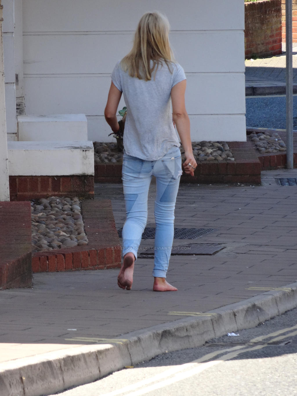 https://img00.deviantart.net/39e2/i/2015/212/a/9/barefoot_street_uk____very_dirty_soles____5_of_6_by_barefootgirls1-d93odbb.jpg