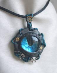 steampunky eye pendant by zebrrra