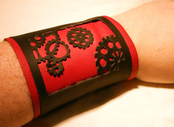 gear leather wristband by zebrrra