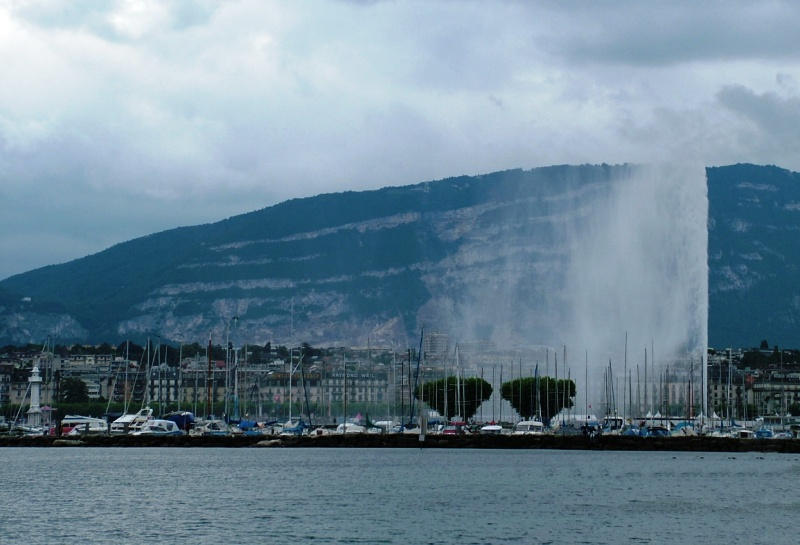 Jet de Eau fountain, Geneva 2 by Alredhead
