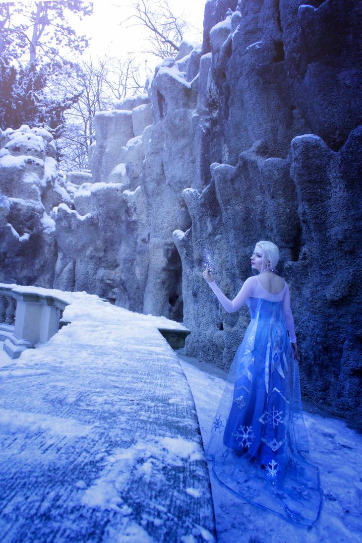 Frozen: Escape by LialiaD-stock