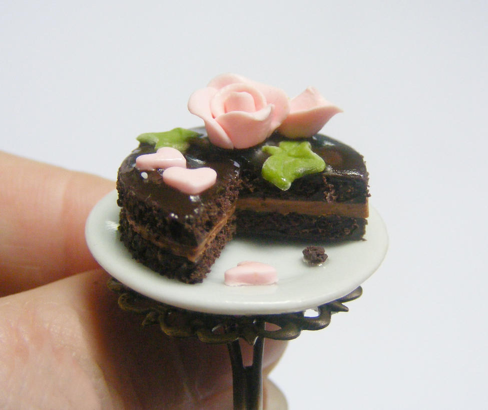 Chocolate Roses For Cakes
