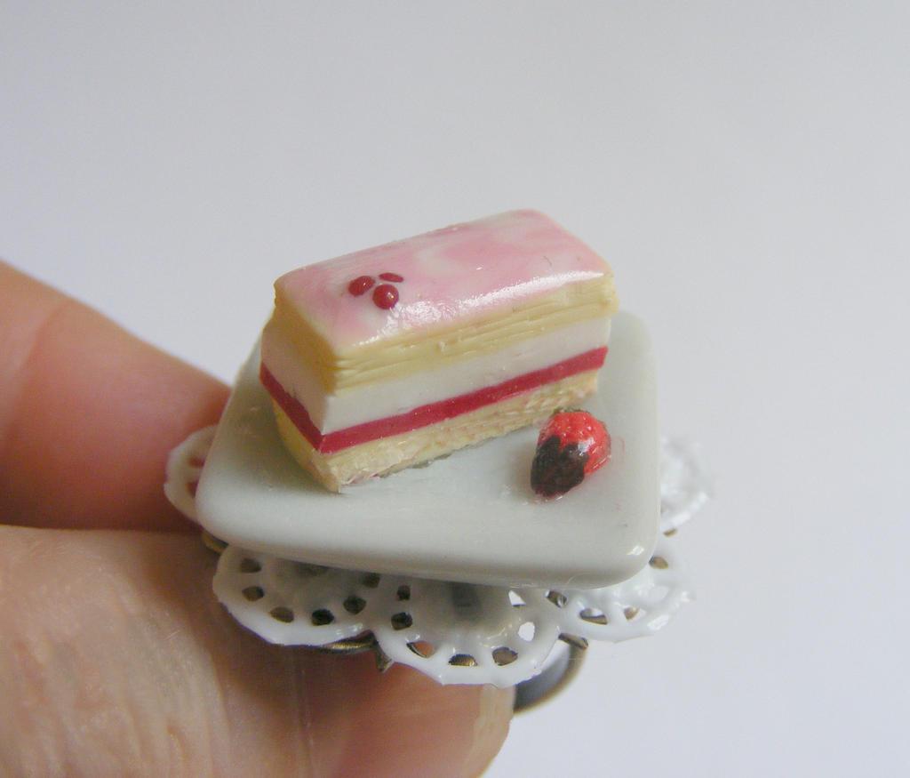 Strawberry Pastry Cream Cake