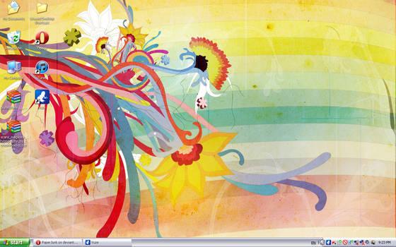 August '12 Desktop: Abstract