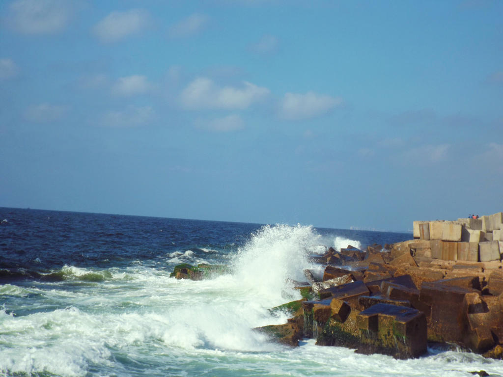 Sea Waves by Sara0TH