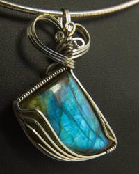 Labradorite Pendant in Silver