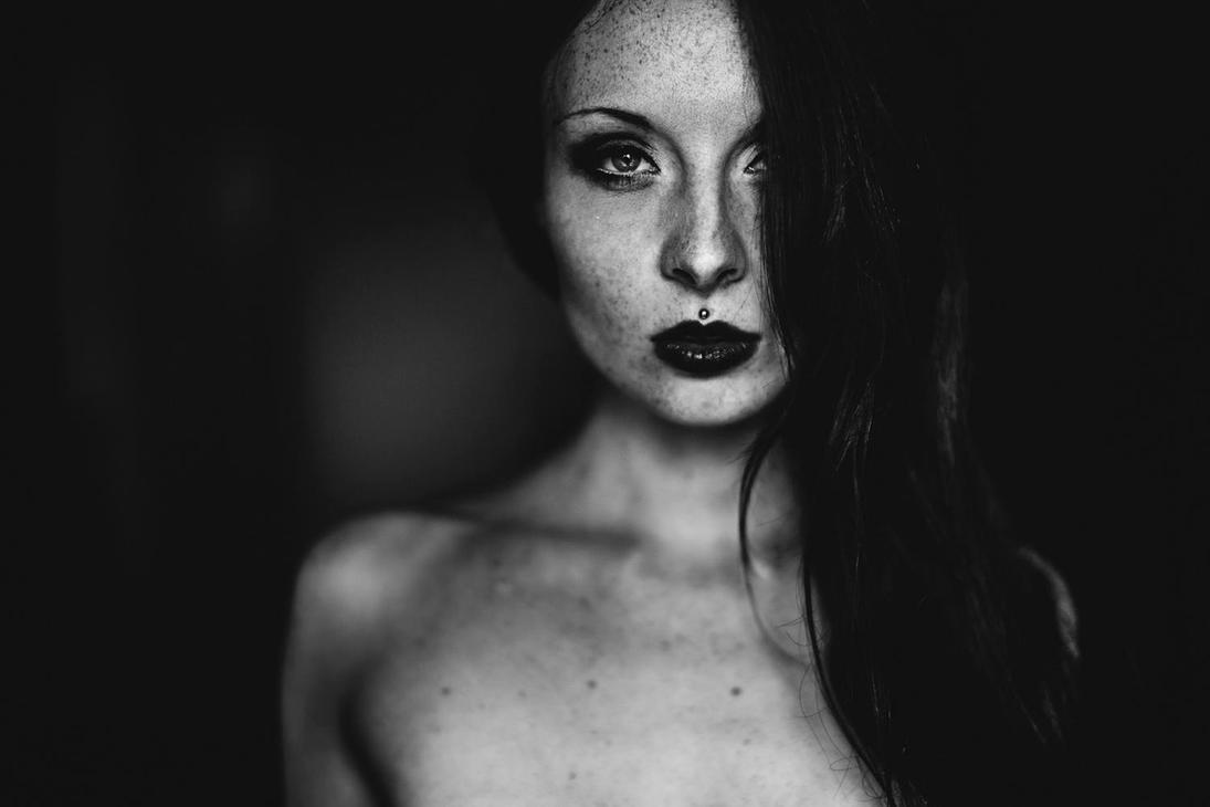 AnnA Tomie by YannickDesmet