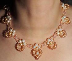 Pearl collar necklace N359 by Fleur-de-Irk