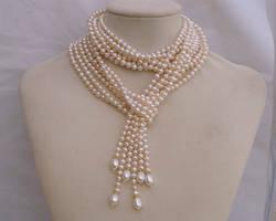 White pearl lariat N1367 by Fleur-de-Irk