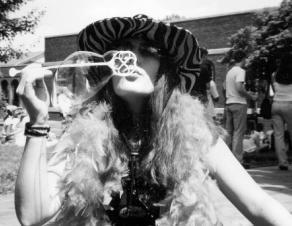 Dirty Hippie by bentmywookie