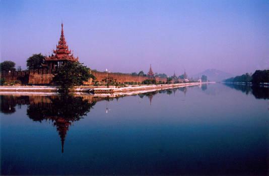 Mandalay Palace _2005 Jan 1_