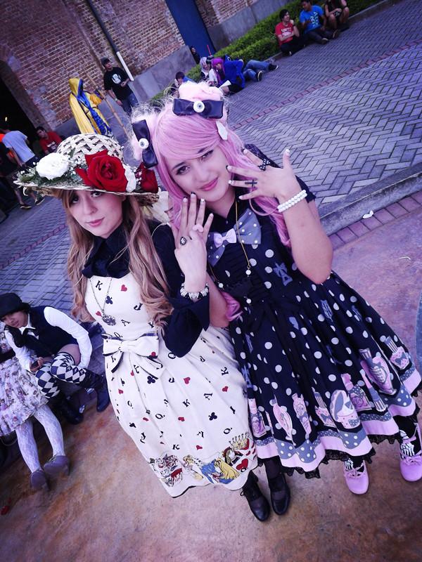 loli loli lolita by PrincessTeppelin