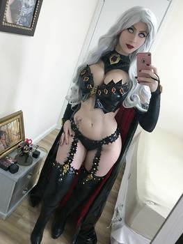 Lady Death cosplay selfie