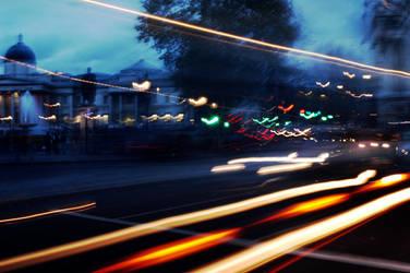 Traffic in Trafelgar Square by VanPixie