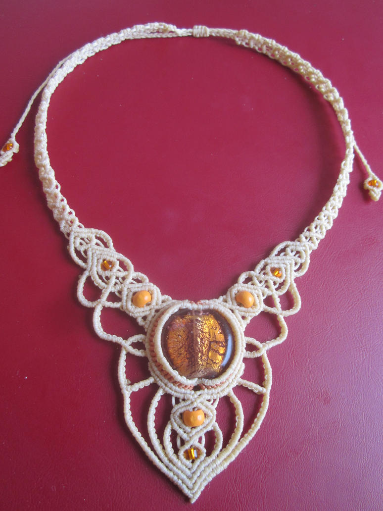 Macrame necklace by Ursulaa
