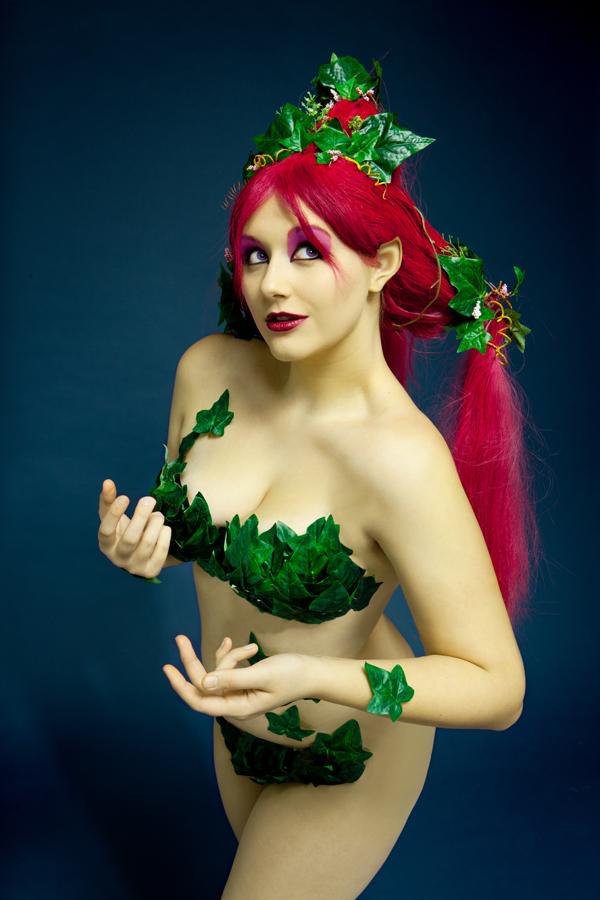 Raquel big tits redhead clips