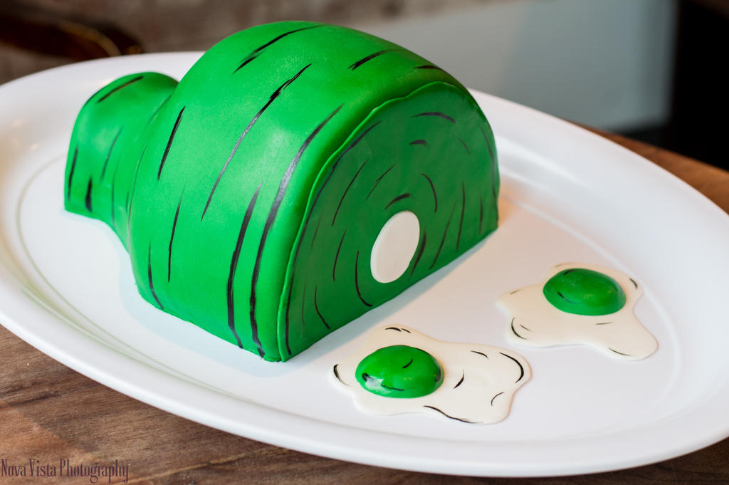 Green Eggs and Ham (Dr. Seuss) Cake by novavistaphotography on ...