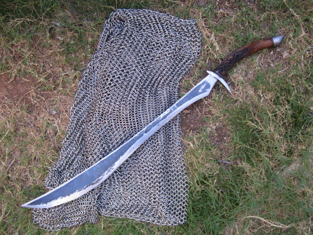 Elven sword by castlegardener