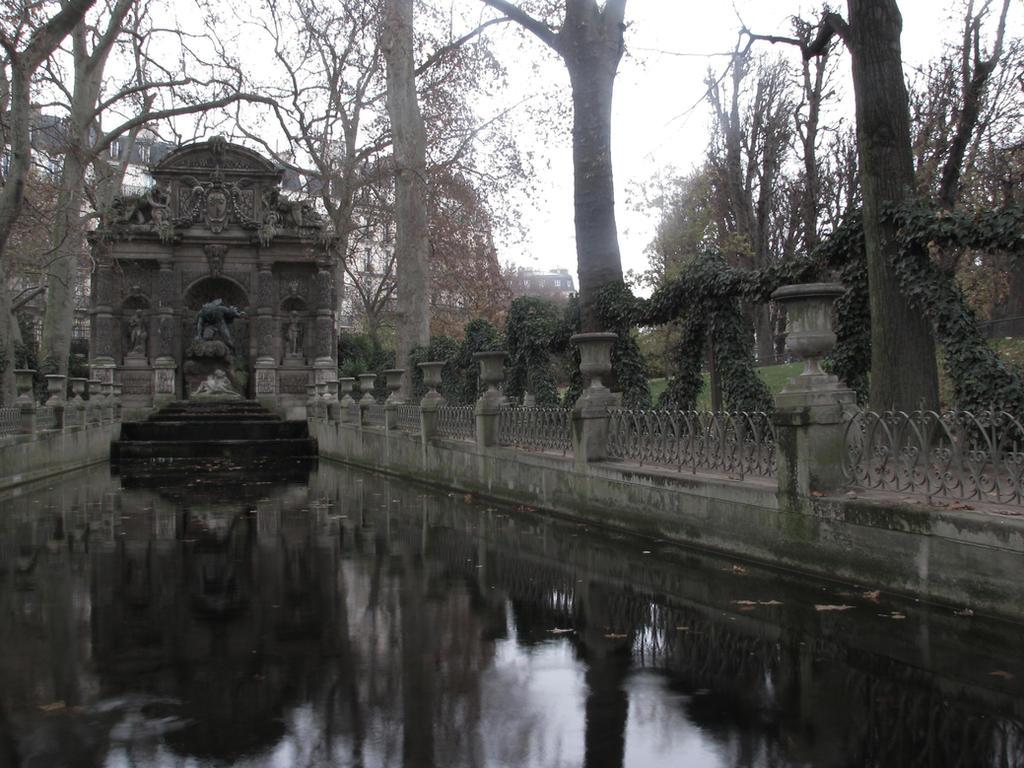 Le jardin du luxembourg 4 by emraldflames1993 on deviantart for Art du jardin zbinden sa