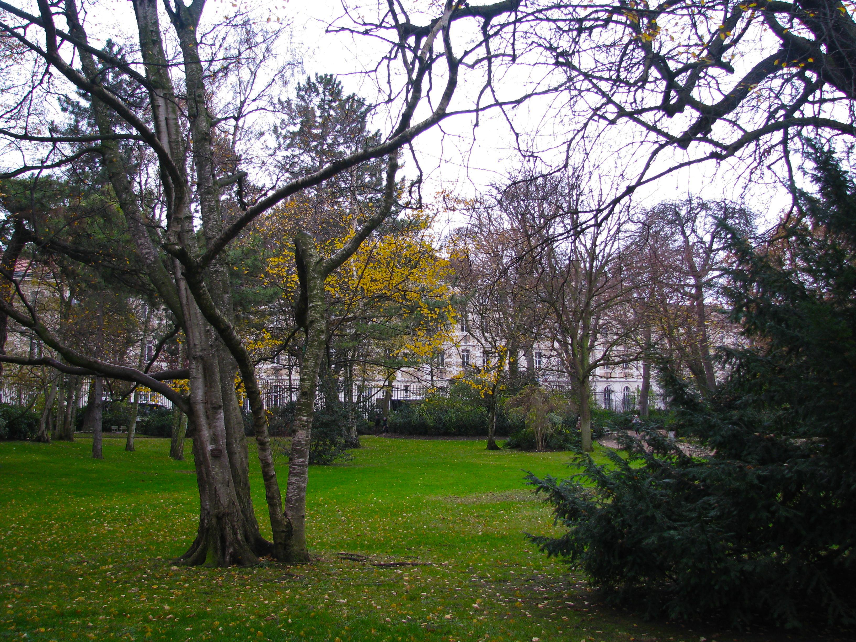 Le jardin du luxembourg 10 by emraldflames1993 on deviantart for Art du jardin zbinden sa