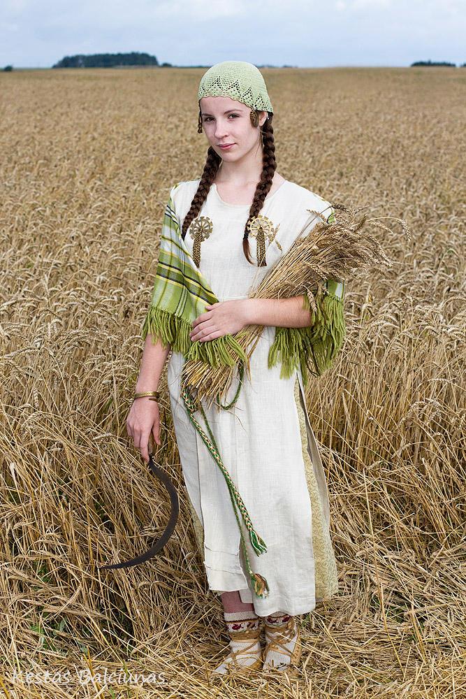 Lithuanian girl by Londonietis on DeviantArt