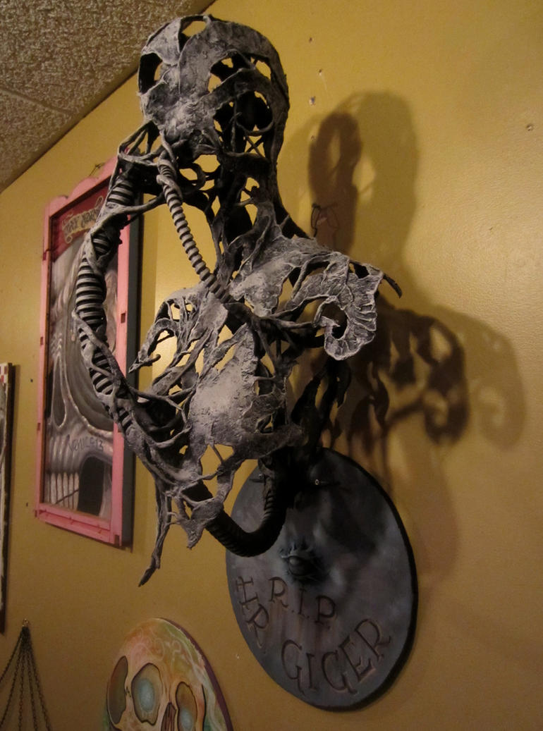 H.R. Giger tribute sculpture~ RIP by cannibol