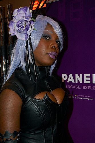Demon Hannah Anafeloz cosplay close up by nikki-nekochan