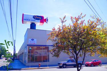 Franz Bakery in Portland Oregon by FandomFoodie