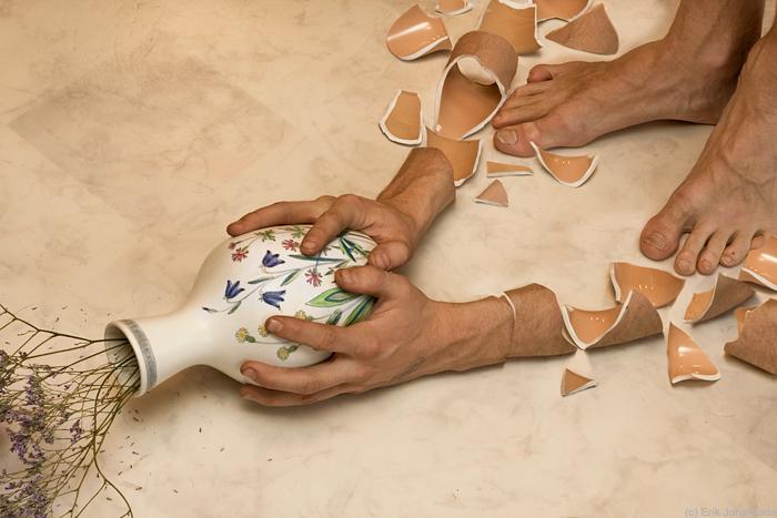 arms break, vases don't by alltelleringet