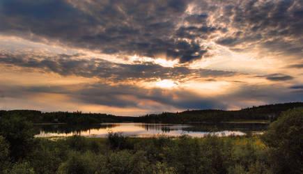 Canadian Sunset III by enyaa