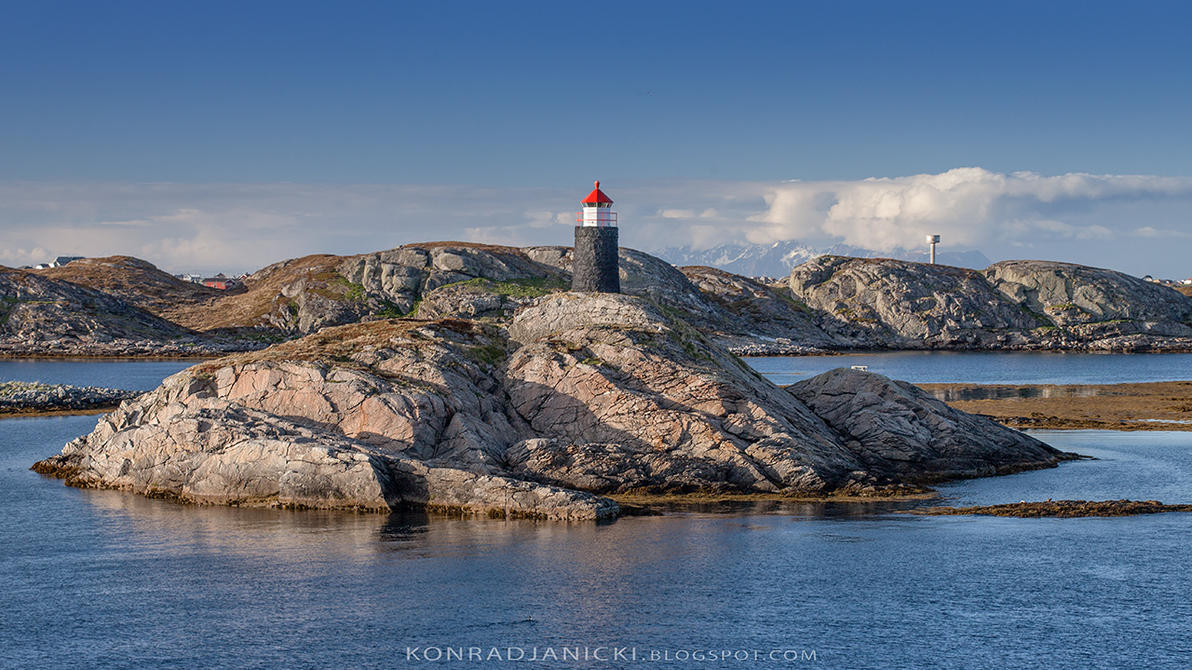 Norway light house by KonradJanicki