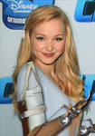 Dove-cameron-with hooks