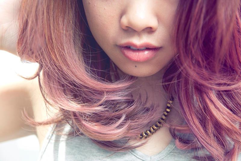 Pink hair and lips by Kurai-Hisaki