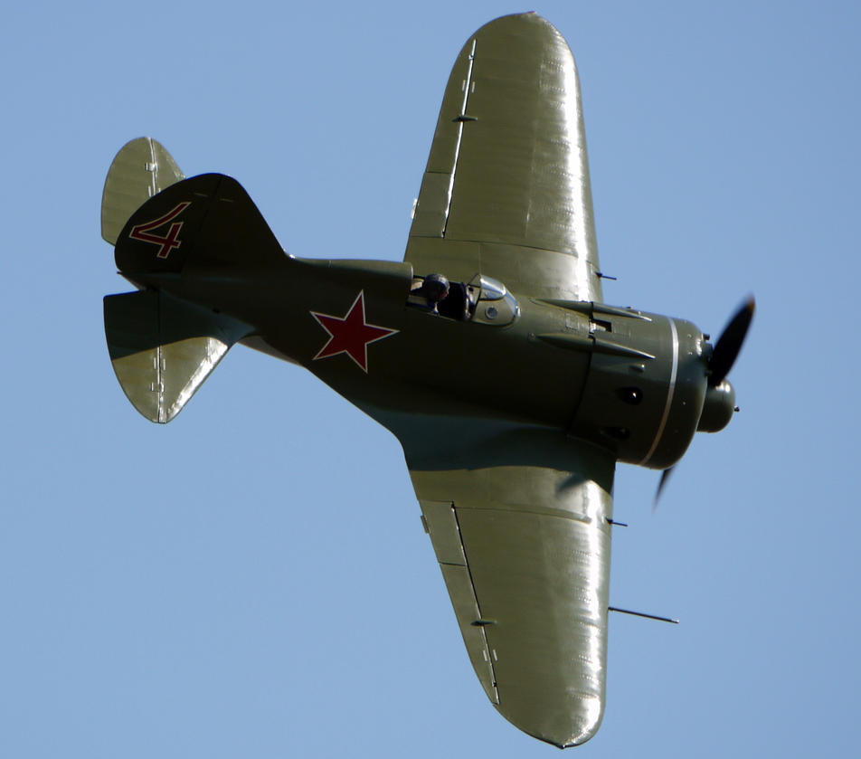 Polikarpov I-16 Flyby 2 by shelbs2