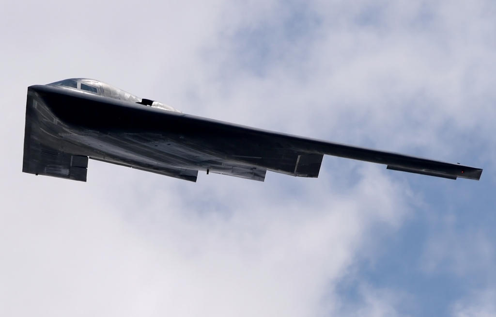 Northrop B-2 Spirit Flyby 2 by shelbs2