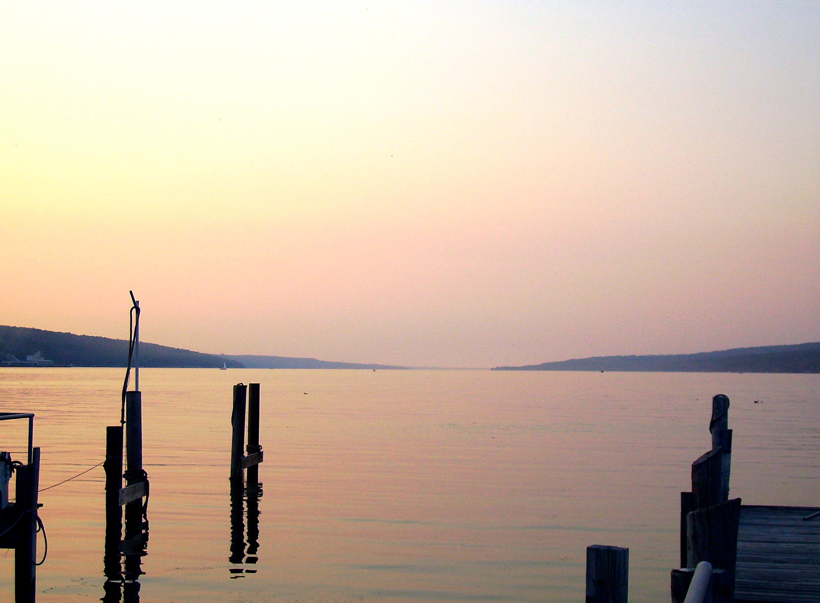 cayuga chat Cayuga lake is full of fun things to do stop at the many wineries along the cayuga lake wine trail, go for a swim off your boat, or spend the day lounging on the.