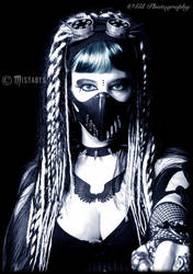 cyber-goth girl portrait (-mistabys-)