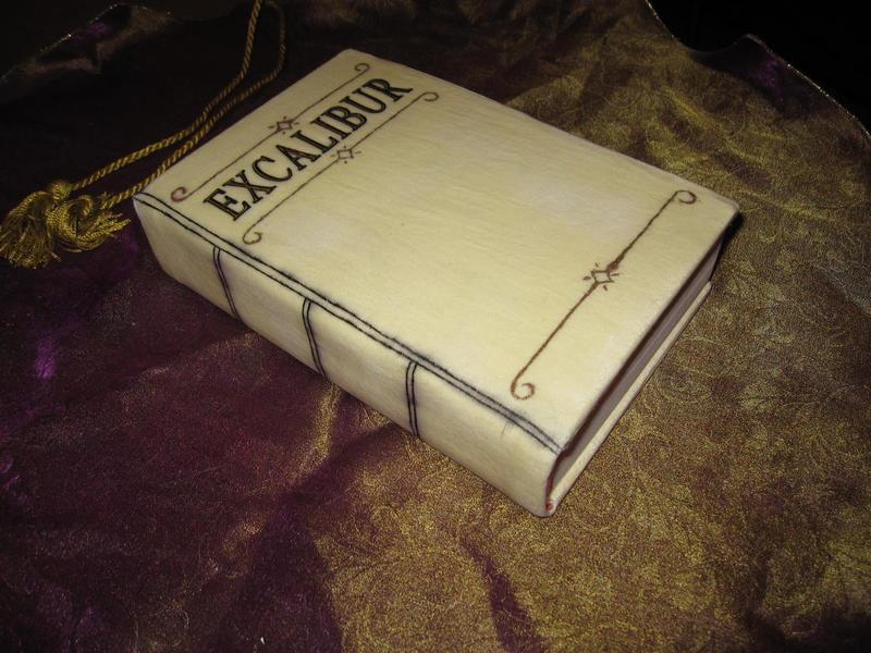 Misión 2 - La Espada Legendaria (James) Book_of_Excalibur__Soul_Eater_by_waynekaa