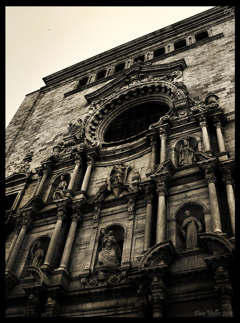 Girona Cathedral by Hippiemon